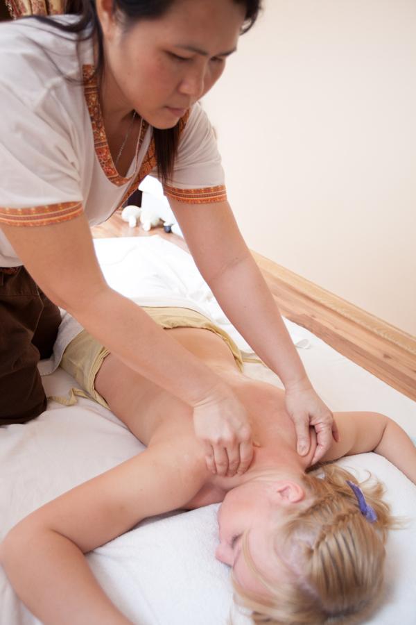 Вы просматриваете изображения у материала: Проверено на себе: традиционный тайский массаж в СПА-салоне САБАЙ