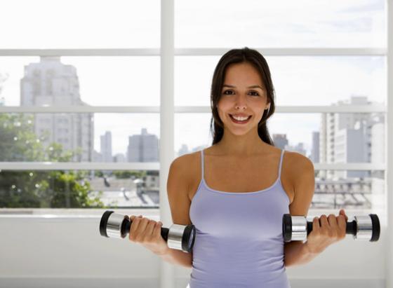 ganteli Упражнения для груди качаем грудь